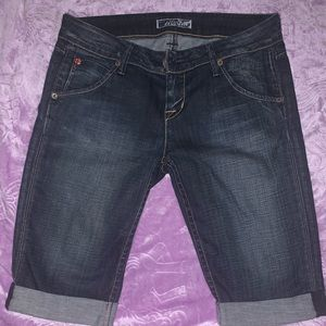 Hudson above the knee shorts. Size 26. Great cond.